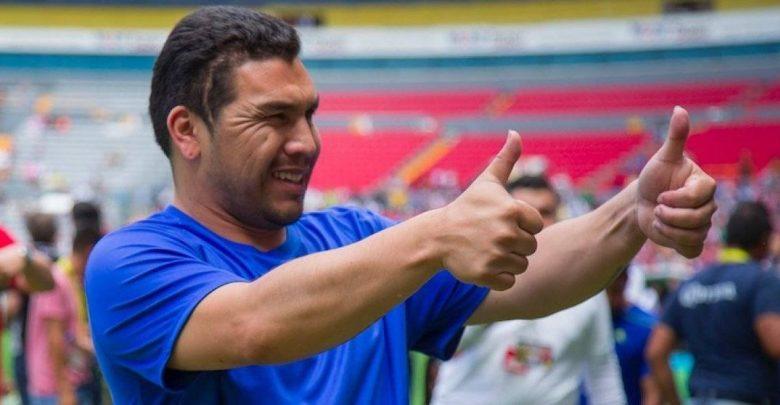 Deportes: Salvador Cabañas, en juego de leyendas