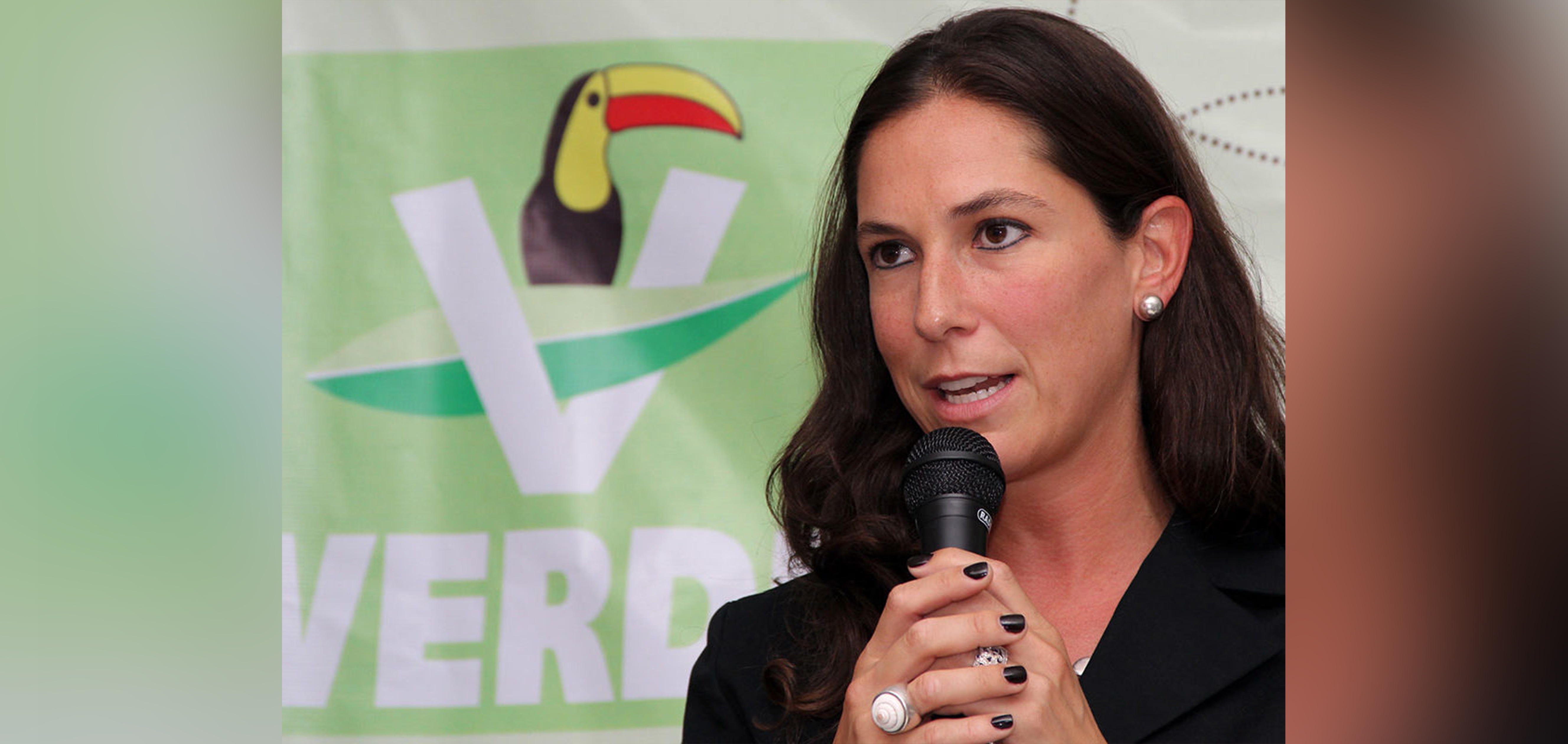 Candidata del partido verde ofrece recuperar agua for Recuperar agua piscina verde