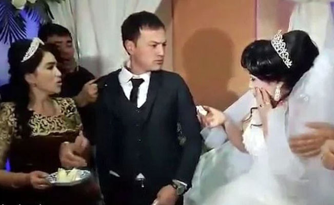 """7c643256a8 """"Se le acabó el amor muy rápido"""". Hombre golpea a su esposa en la boda por  una broma"""