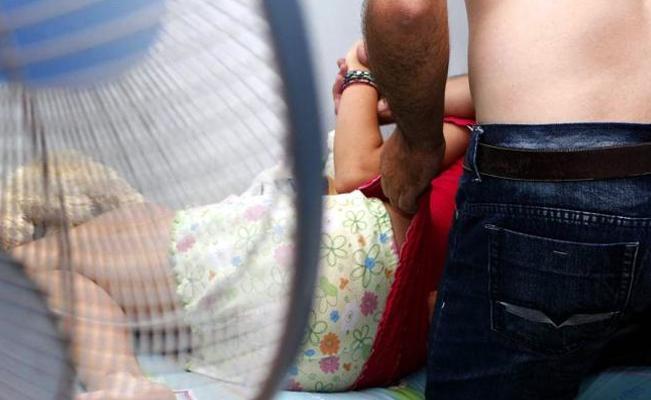 Resultado de imagen para niña viola por su padre
